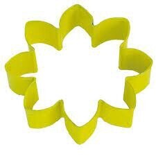 Cookie Cutter Yellow Daisy 9cm